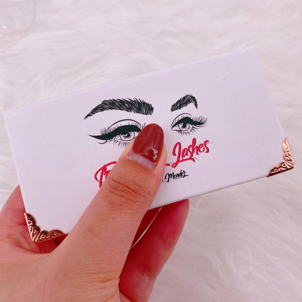 custom packaging for eyelashes