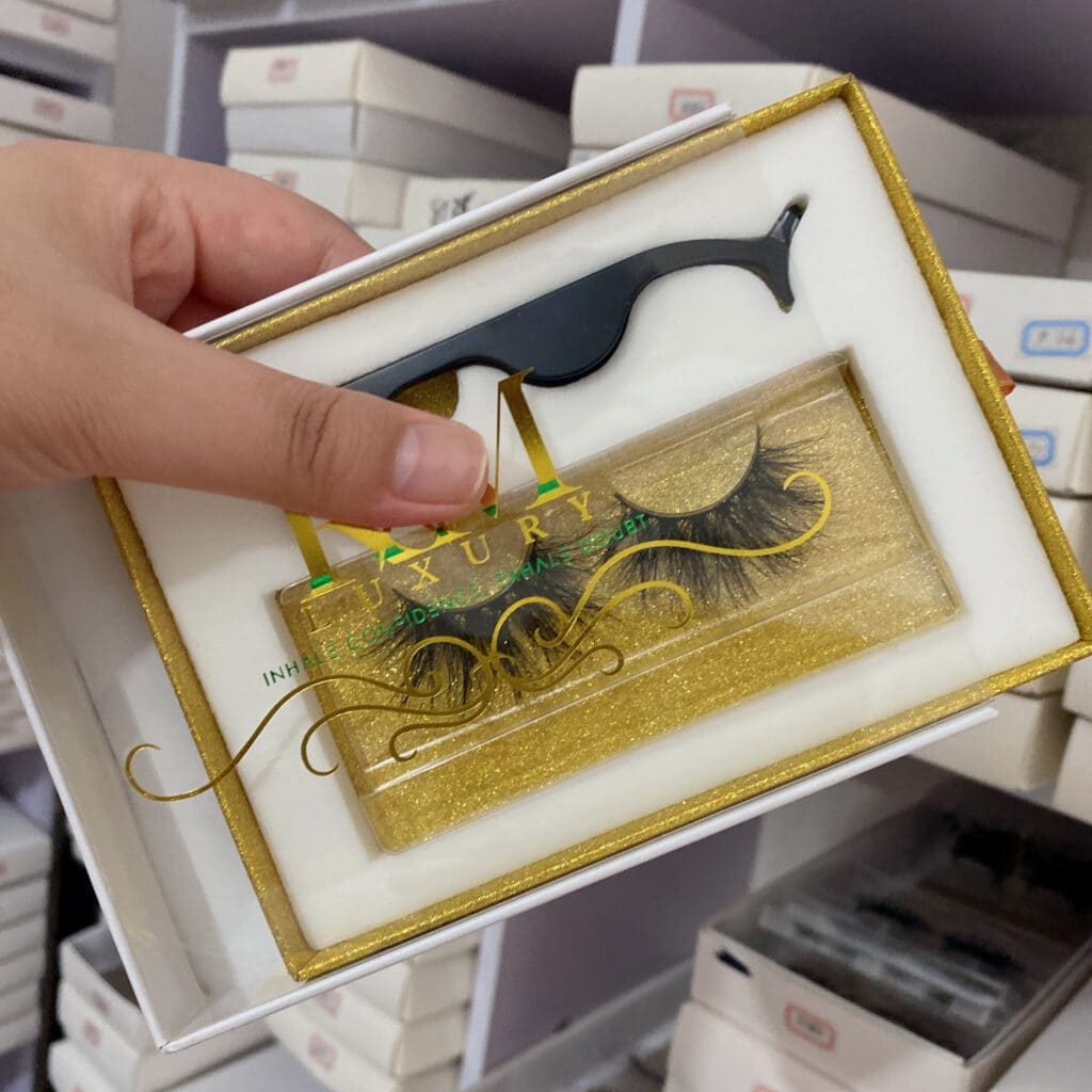 custom lash packaging lash books